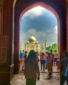 travel india agra tajmahal moumtaz summer people colorful