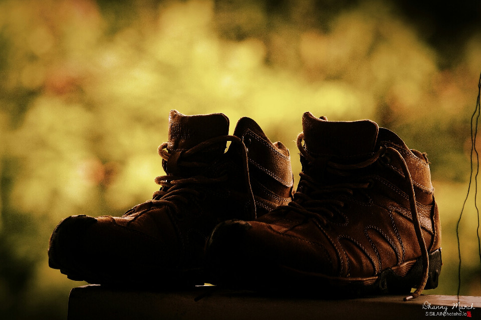 """"""" when Im with you.., You make me feel safe.. """"  #lomoeffect #shoes   #togetherness #friendship #backlight  #emotions #travel #photography"""