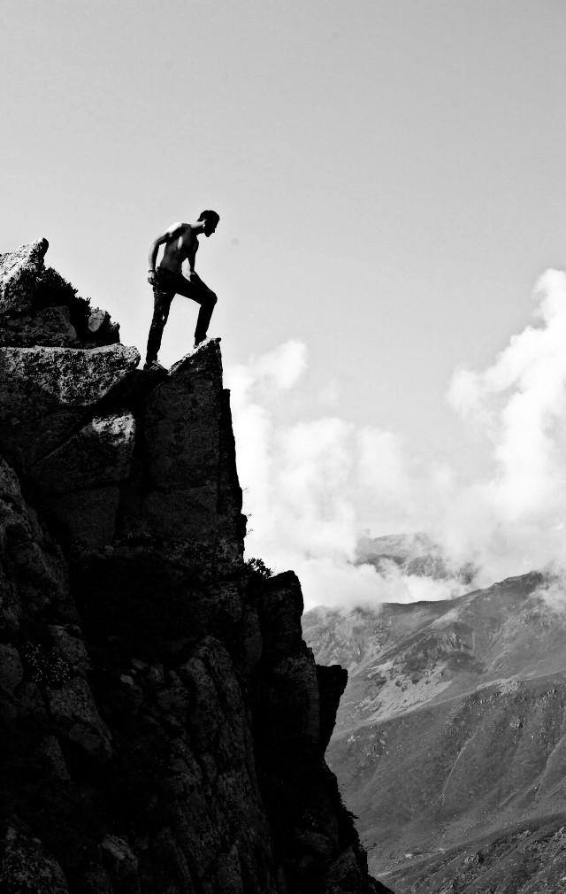 #cliffs #landscape #black&white #people #top