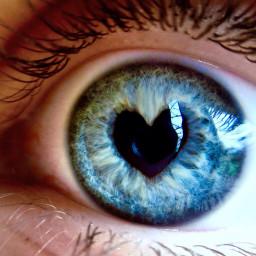 eye photography heart