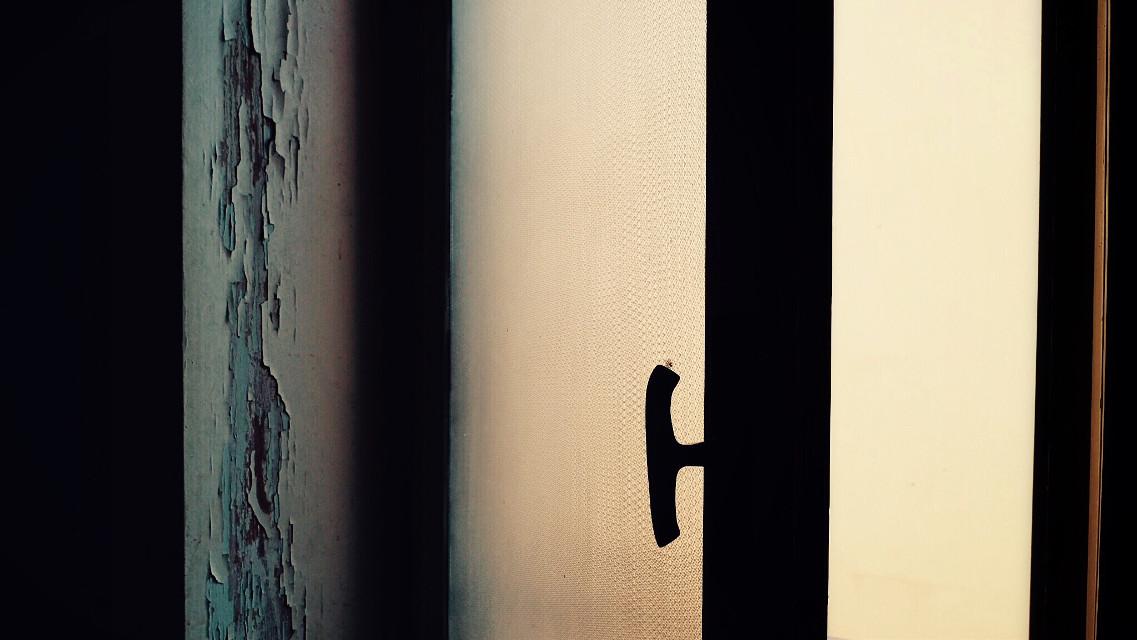 #photography #light #window   Il vero amore è come una finestra illuminata in una notte buia.