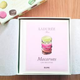 shoping macarons macaronsbook book food photography cakepuntcom sweet