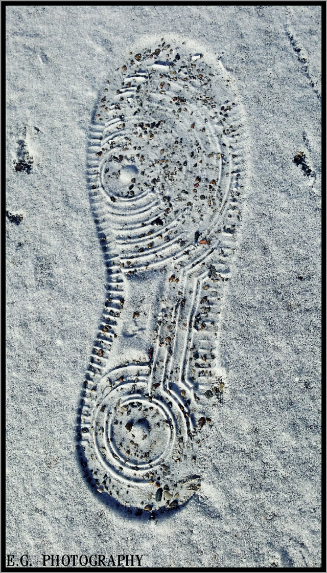 #CrispEffect #footprint #snow #photography  1 step at a time.