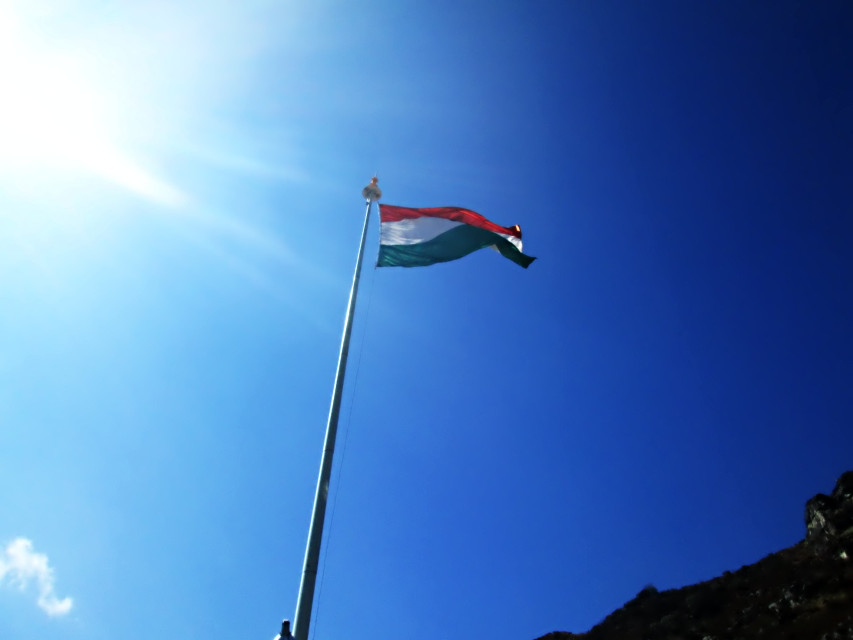 Today our country celebrates the 67th Republic Day... So wish all the Indians a very happy Republic Day... #national_flag  #Indian #blue_sky #sun_ray #photography