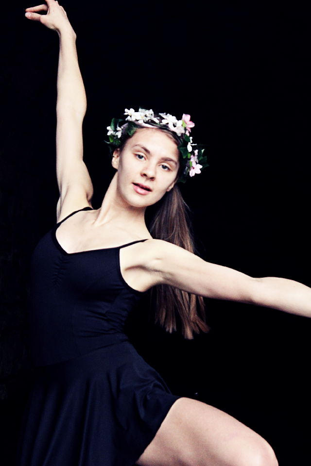 #ballet #flowercrown #spring #beauty #beautiful #black #photography
