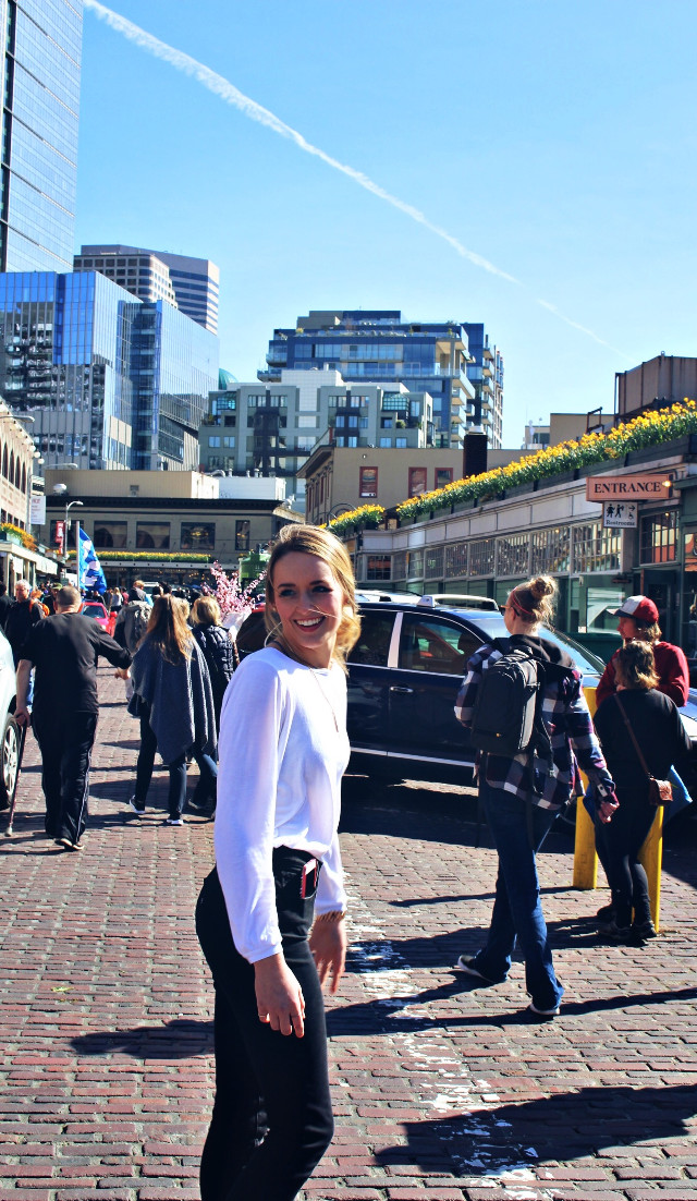 Sunny day at Pike Place  #pikeplacemarket #seattle #sun