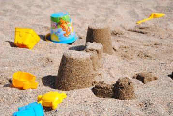sand beach kids castle summer